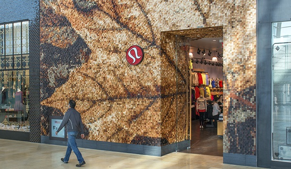 Lululemon Yorkdale mall storefront in the shape of a maple leaf made of wooden blocks